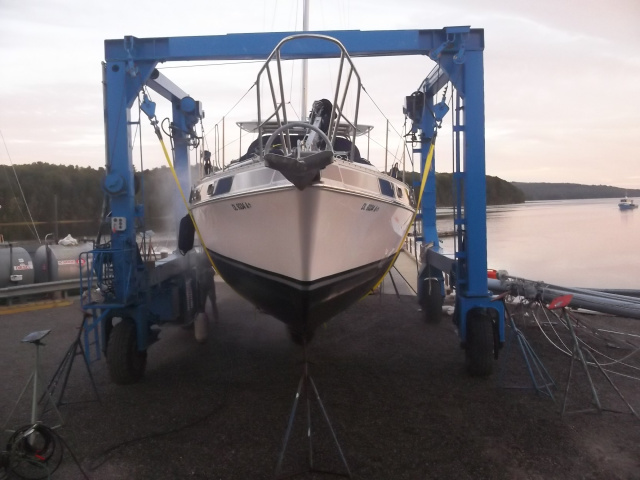 Winterport Boat Yard Travel Lift